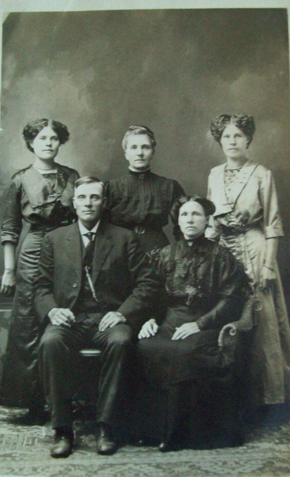 CLEARANCE- Antique Postcard - Real People Postcard Photograph - Portrait of a Family- Early 1900s -  Excellent Condition - unused