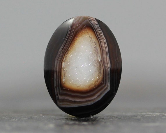 Druzy Stone, Natural Banded Agate geode Gem - Ring, Rings, Jewelry Supply Bezel - 19mm (2243)