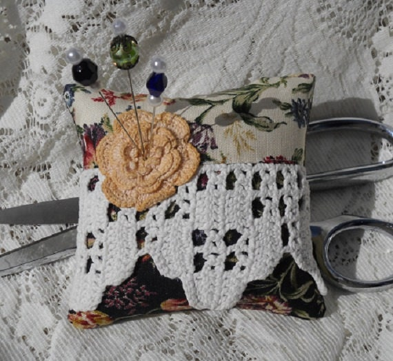 Pincushion Cottage Shabby Chic Country Vintage Lace Fancy Pins