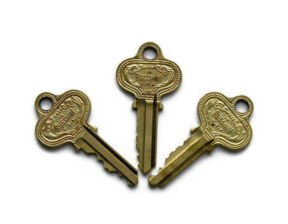 Old Keys: Beautifully Ornate Lot of 3, Vintage Supplies, Instant Collection