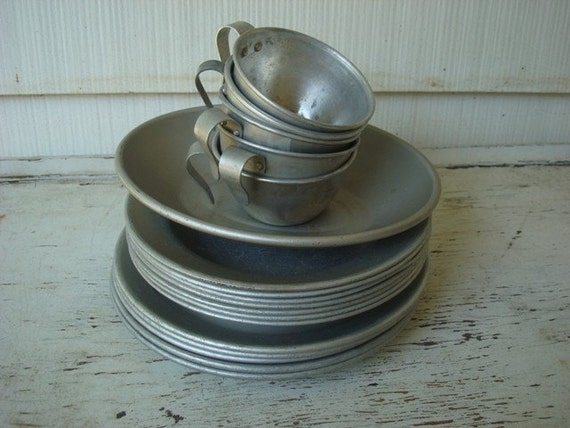 Vintage Camping Dishes