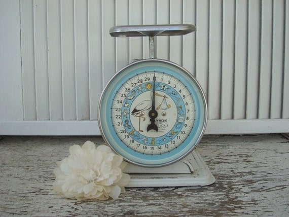 VINTAGE Baby Scale