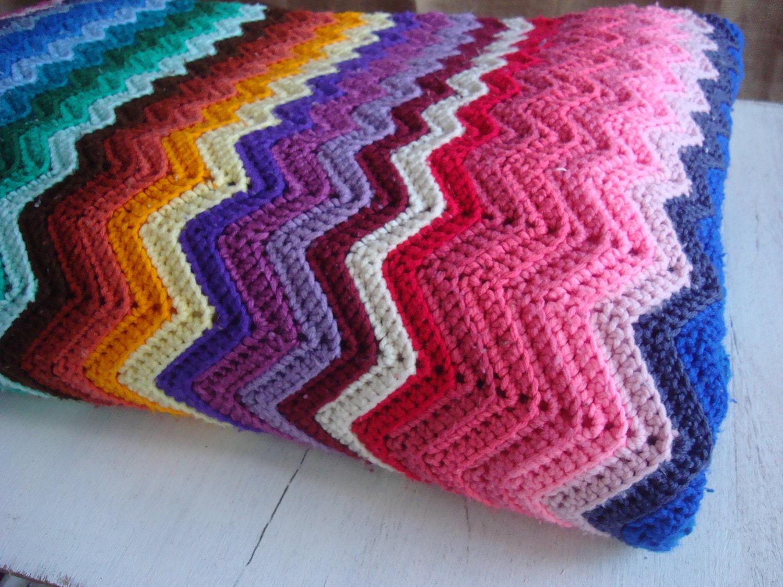 vintage king size crocheted blanket. Black Bedroom Furniture Sets. Home Design Ideas