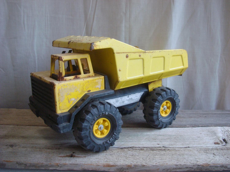 Tonka Toy Trucks Metal >> Vintage Metal Tonka Truck
