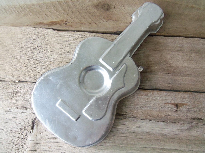 Vintage Wilton Guitar Cake Pan