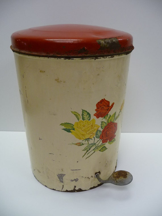 Vintage Trash Can With Foot Pedal Painted Flowers Kitschy