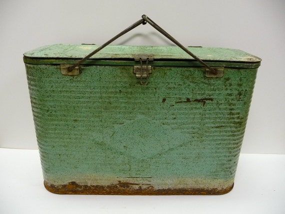 Vintage cooler Green metal ribbed sides compartments Wire handle The COOLEST cooler you'll ever own