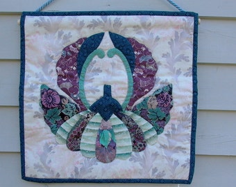 Quilt Chrysanthemum Japanese Family crest wallhanging hand appliqued and hand quilted