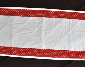 Quilted Table Runner Valentines Day red white