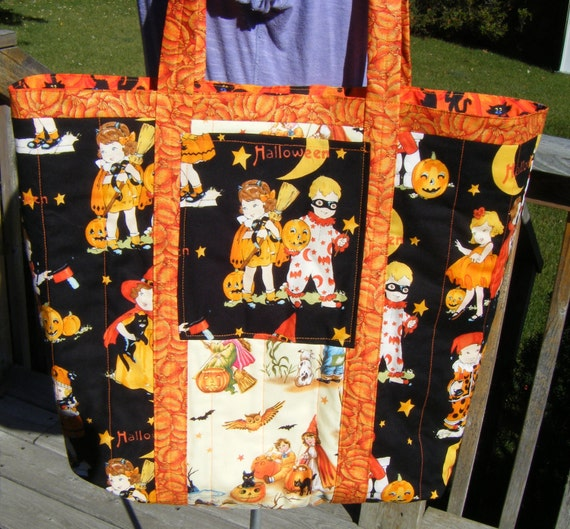 Halloween Quilted Market Tote Retro  Print
