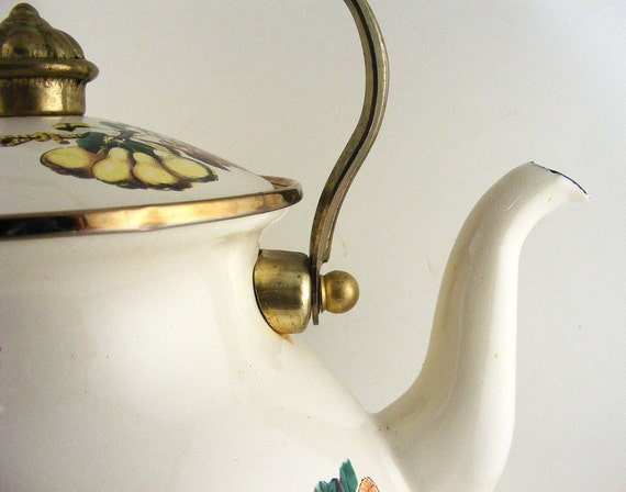 Vintage Enamel Tabletops Unlimited Tea Kettle