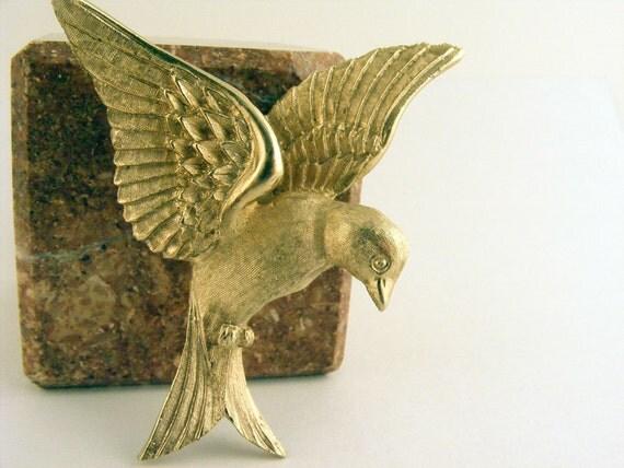 Vintage Bird Brooch Napier Gold