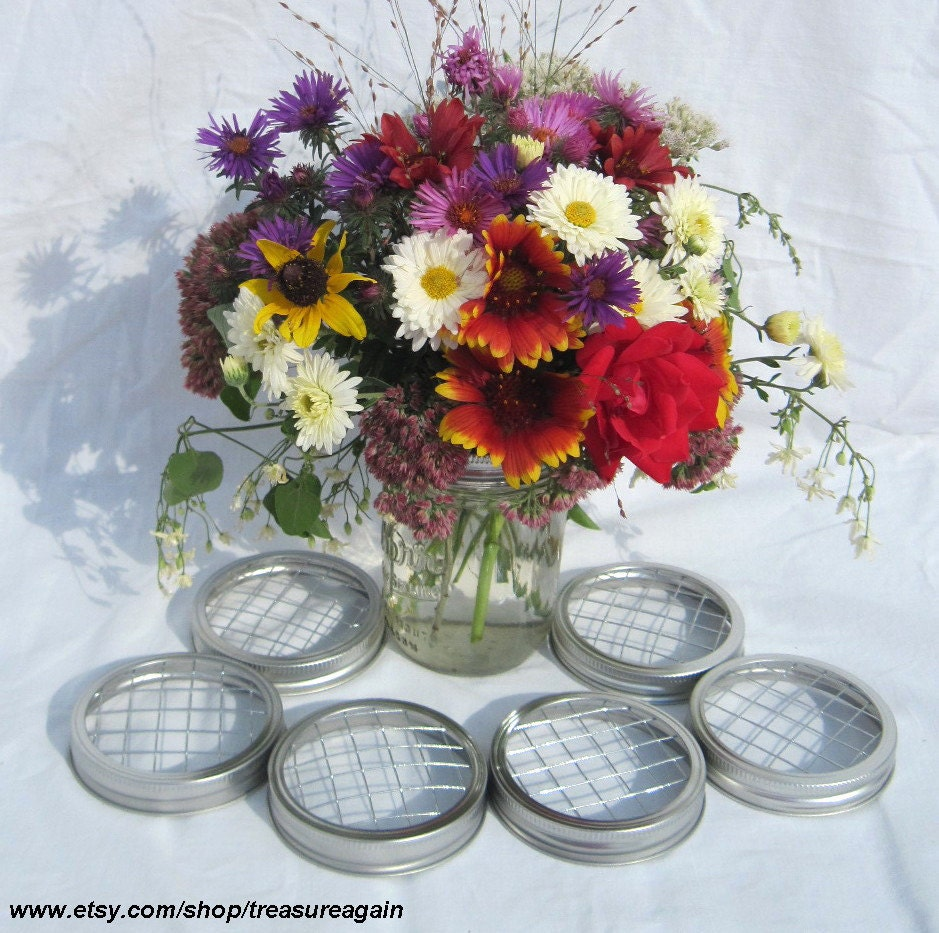 Flowers In Jars Wedding: DIY: Mason Jar Centerpieces