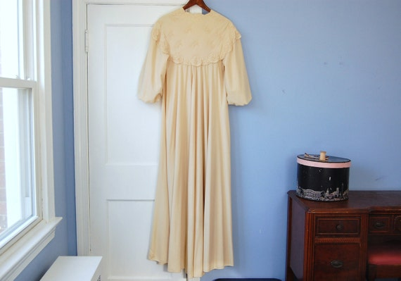 Dressing Gown Vintage Robe Vanity Fair Floor Length Housecoat Floral Lace Duster Lingerie Small