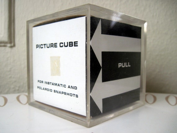 1970s PHOTO CUBE for Instamatic and Polaroid SNAPSHOTS, vintage acrylic 3-d picture frame