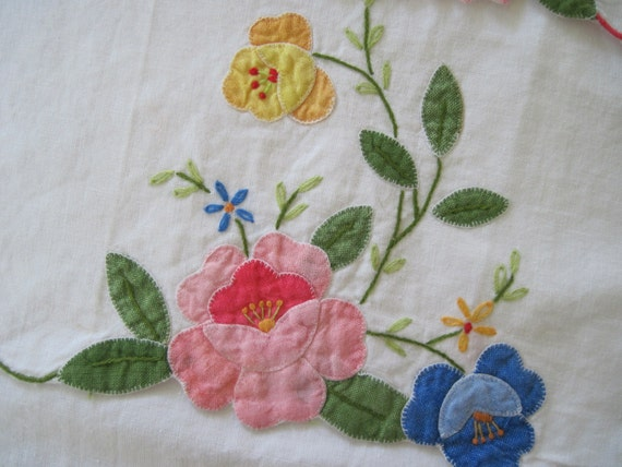 set of 3 Hand Embroidered Linen Tea Towels, vintage Cotton Hand Towels, Glass Cloths from the 1950s