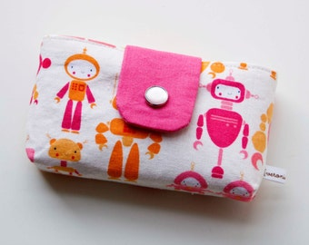 SALE 50% Off – Pink Robots Snappy Tissue Cozy