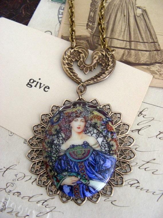 Necklace Art Nouveau Vintage Cameo Necklace