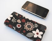 Sleeve iPhone/iPod Touch- Heartleaf floral with black flannel interior