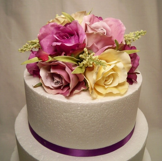 ivory wedding cake with purple roses purple lavender ivory wedding cake topper 16552