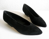 vintage 1980s Paloma shoes, black suede low heel pumps