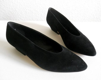 vintage 1980s Paloma shoes, black suede low heel pumps *** PRICE REDUCED***