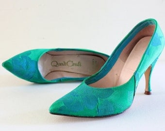 vintage green stilettos, 1960s QualiCraft , embroidered satin *** PRICE REDUCED ***