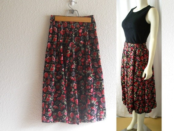 Vintage Skirt, Flirty and Colorful Floral Print