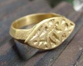 Signet Ring - 18K Yellow Gold