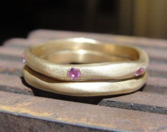 Wedding Band Set -  Engagement & Wedding Band Set - Sapphire Ring - 18k Yellow Gold and Pink Sapphire