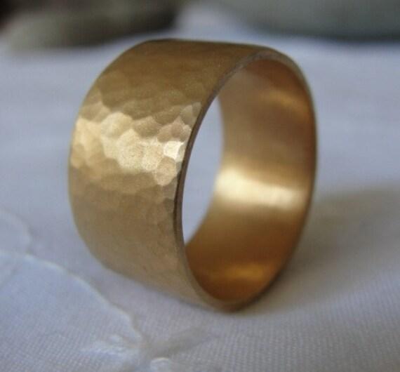Gold Wedding Band , Unisex Wedding Ring , Hammered Wedding Ring , Texture Wedding Band , 14k Yellow Gold Flat Hammered Ring