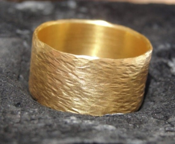 Gold Wedding Ring - Hammered Wedding Band - 18k Gold Hammered Ring - Gold Ring - Wedding Ring