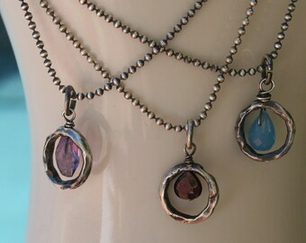 Rustic Round Link and Stone Necklace