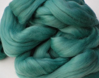 "Ashland Bay Solid Colored Merino for Spinning or Felting ""Turquoise Green""  4 oz."