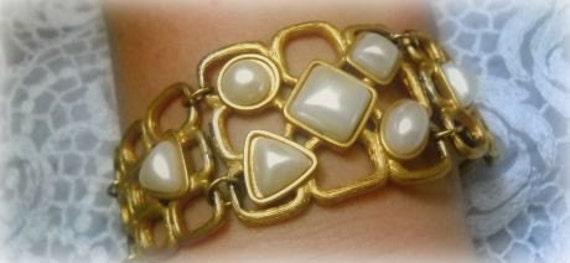 Lola's Vintage fab pearl bracelet
