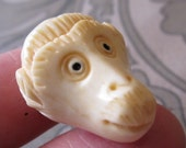 Button: Monkey Head - Handcarved Bone