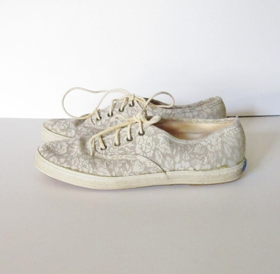 Vintage LACE Overlay Beige Canvas Sneakers - Women 6.5M - Early 90s Keds