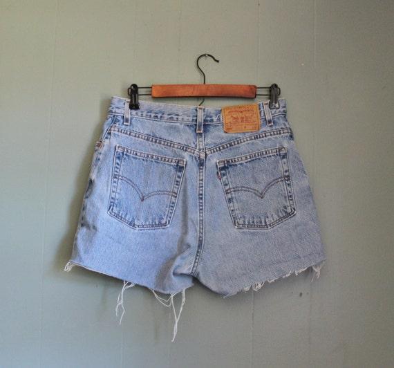 15 Dollar Sale Vintage 550 Levi's Cutoff Denim Shorts Women L
