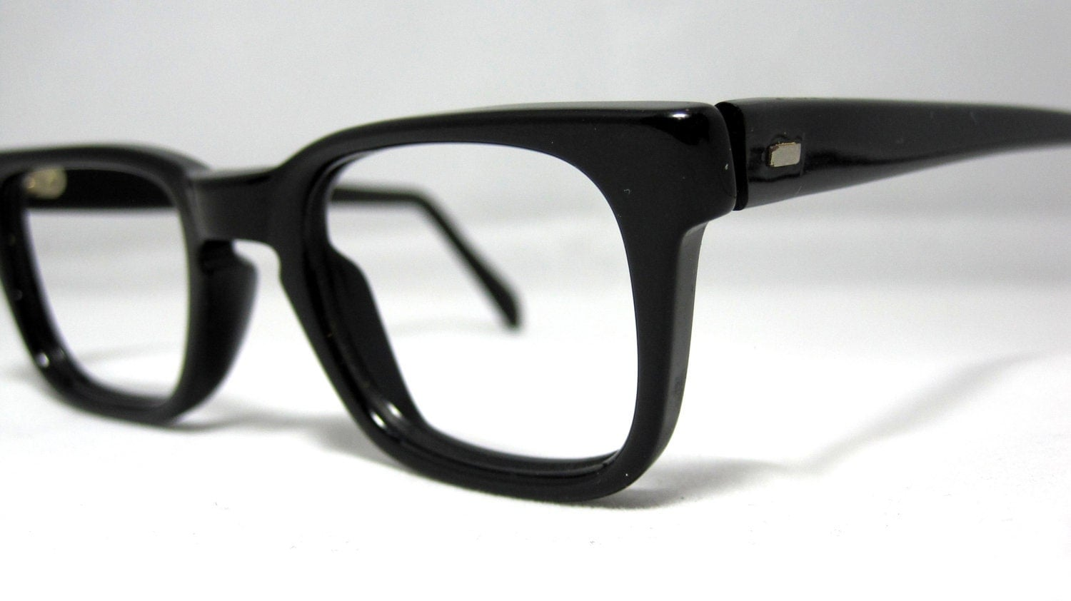 Glasses Frame Discoloration : Vintage 50s Mens EyeGlasses. Black Horn Rim Mad Men Frames
