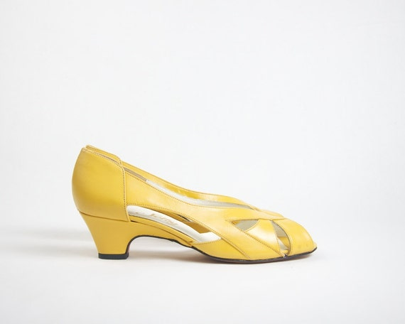 Vintage Leather Heels Mustard Yellow Size 5.5