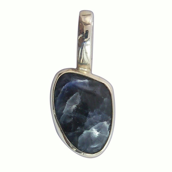 Sodalite Pendant set in Sterling Silver  psodd1509