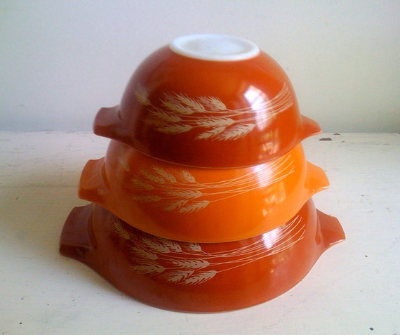 three nesting pyrex mixing bowls -  autumn harvest