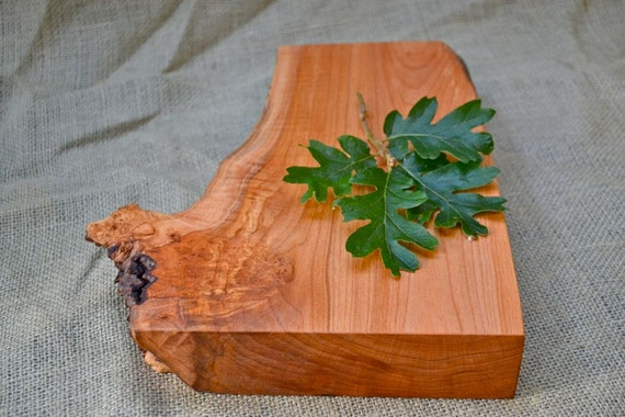 Woodland Cutting Board, Extra Thick with a Natural Wood Edge 329