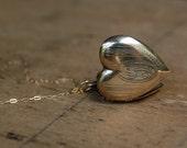 vintage heart locket / 1940s jewelry / monogram / LA NOTRE