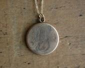 vintage locket / 1920s jewelry / FARMHOUSE
