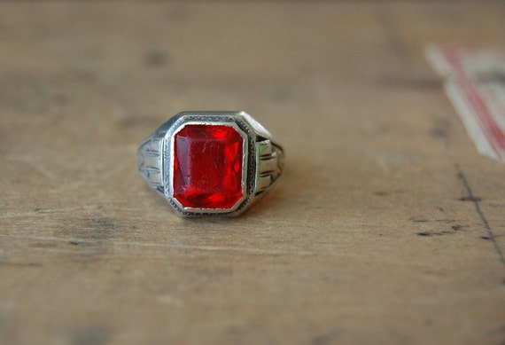 vintage Art Deco ring / 1930s jewelry / Ostby Barton / MULLED WINE