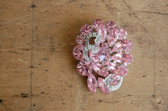 vintage brooch / 1950s jewelry / WEISS