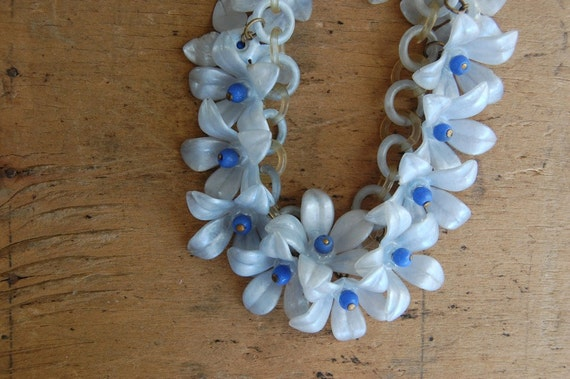 vintage celluloid necklace / 1940s jewelry / VIOLET