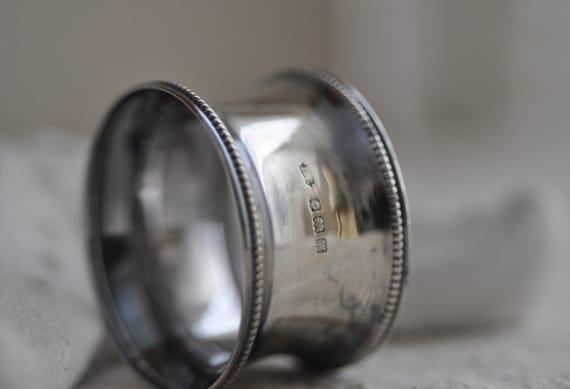 Antique English Silver Waisted Napkin Ring - Hallmarked 1946
