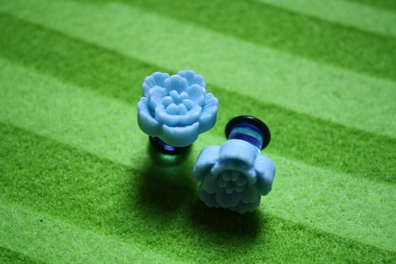 Blue flower ear gauges. Size 0g.